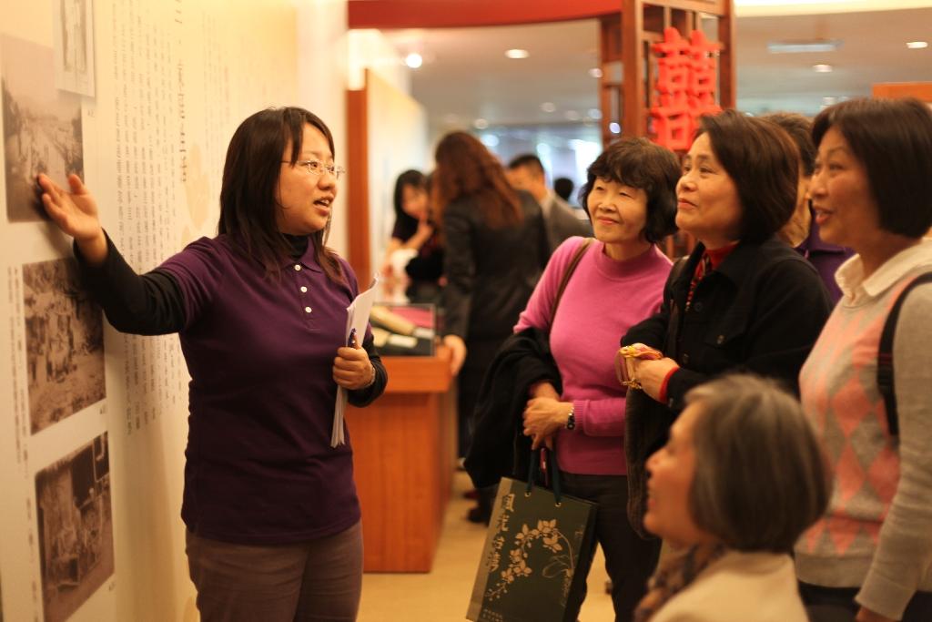 由左至右分别为林湘珉女士,杨黄美幸女士,杜淑纯女士,蔡慎懿女士,林芳图片